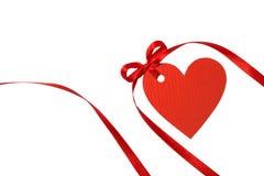 Étiquette de coeur avec le ruban rouge Photo libre de droits
