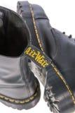 Étiquette de Wair d'air sur un Dr. Botte en cuir noire de travail de martres Images libres de droits