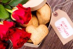 Étiquette et biscuits de jour du ` s de mère Photographie stock