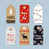 Étiquettes de cadeau de Noël de vintage réglées Labels tirés par la main avec l'arbre de Noël, les cerfs communs, les étoiles et  Photographie stock