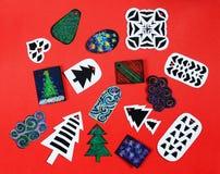 Étiquettes faites main de cadeau de Noël Photographie stock libre de droits