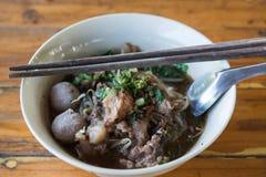 Étoffez la soupe de nouilles de la Thaïlande Images stock