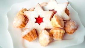 Étoile de gâteau et mini petits pains Images libres de droits
