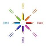 Étoile octogonale des crayons et des trombones colorés réalistes illustration de vecteur