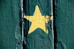 Étoile peinte par jaune Photo libre de droits