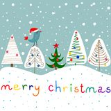 Étoile stylisée Forest Snowfall Cute Kawaii Bird de babioles d'ornements de sapins de griffonnage en Santa Claus Hat Fond pour un Images stock