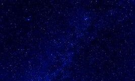 étoiles à l'arrière-plan de ciel bleu photographie stock libre de droits