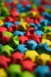 Étoiles colorées de papier Photographie stock libre de droits