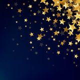 Étoiles d'or sur le fond foncé Photo libre de droits