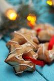 Étoiles de chocolat avec le ruban Photo libre de droits