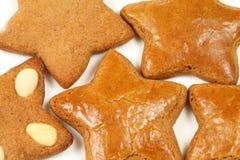 Étoiles de pain d'épice Photographie stock