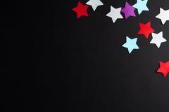 Étoiles de papier de différentes couleurs Photos stock