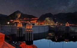 Étoiles du soir au-dessus de barrage de Hoover Image libre de droits