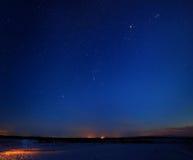 Étoiles en ciel nocturne Photo libre de droits