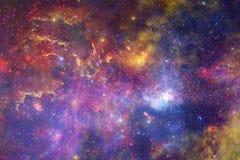 Étoiles, galaxies et nébuleuses dans l'image cosmique impressionnante photos libres de droits
