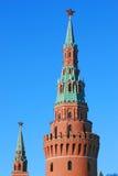 Étoiles rouges de rubis. Tours de Moscou Kremlin. Image libre de droits
