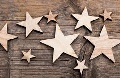 Étoiles sur le fond en bois Photographie stock