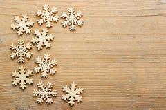 Étoiles sur le fond en bois approximatif Images libres de droits
