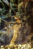 Étranger de serpent à l'intérieur d'une structure techological image libre de droits