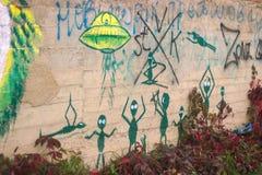 Étrangers d'art de rue images libres de droits