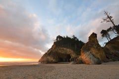 Étreignez le coucher du soleil de parc d'état de point, Orégon du nord Image libre de droits
