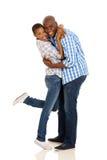 Étreindre africain de couples Photos stock