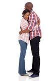 Étreindre africain de couples Photographie stock libre de droits