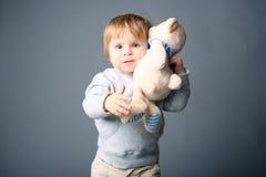 Étreindre de chéri teddybear Image libre de droits