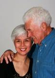 Étreindre de couples Images libres de droits