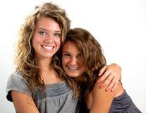 Étreindre de soeurs Image stock