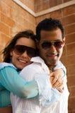 Étreindre heureux de couples Image libre de droits