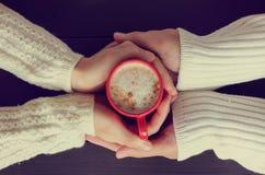 Étreinte de chauffage de la saveur de l'amour Photographie stock libre de droits