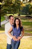 Étreinte de couples Images stock