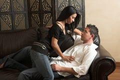 Étreinte intime d'amoureux Photo libre de droits
