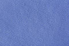 Étroitement aka macro tir de papier de construction bleu photographie stock