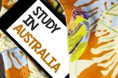 Étude conceptuelle d'apparence d'écriture de main dans l'Australie Diplômé des textes de photo d'affaires de writt d'outre-mer de Photos stock