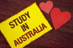 Étude conceptuelle d'apparence d'écriture de main dans l'Australie Diplômé des textes de photo d'affaires de writt d'outre-mer de Image libre de droits