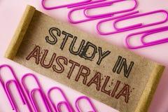 Étude d'écriture des textes d'écriture dans l'Australie Diplômé de signification de concept de la grande opportunité d'outre-mer  Images libres de droits