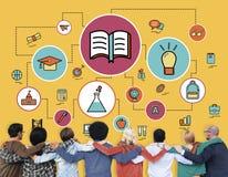 Étude d'éducation apprenant le concept de classe de la connaissance Images libres de droits
