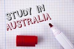 Étude d'apparence de signe des textes dans l'Australie Diplômé conceptuel de photo de la grande opportunité d'outre-mer d'univers Photos stock