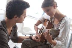 Étude de la guitare Photographie stock libre de droits