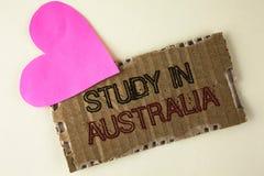 Étude des textes d'écriture dans l'Australie Diplômé de signification de concept de la grande opportunité d'outre-mer d'universit Images stock