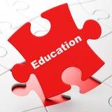 Étude du concept : Éducation sur le fond de puzzle Photographie stock libre de droits