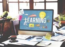 Étude du concept d'idées d'intelligence d'amélioration d'éducation Image stock