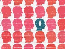 Étude du concept : tête avec l'icône de trou de la serrure sur le mur Images stock