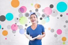 Étudiant With Colorful Background Photographie stock libre de droits