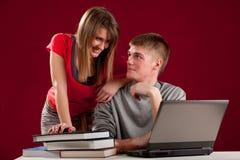Étudiant de jeunes de couples Images stock