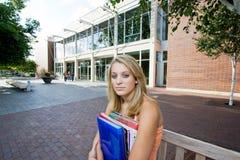Étudiant en dehors de d'école Images stock