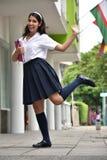 Étudiant international de l'adolescence féminin Posing images libres de droits