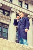 Étudiant universitaire adolescent américain voyageant à New York Photo stock